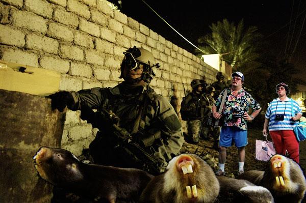 Tourisme culturel en Drönésie avec les Brigades d'intervention Armées et leurs fidèles souris de combat transgéniques.